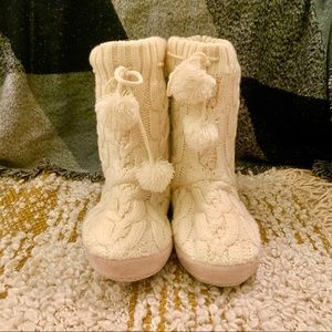 White knit slipper boots with pompon ties